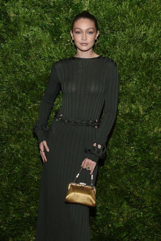 Gigi Hadid phạm lỗi trang phục phổ biến dưới đèn flash - 1