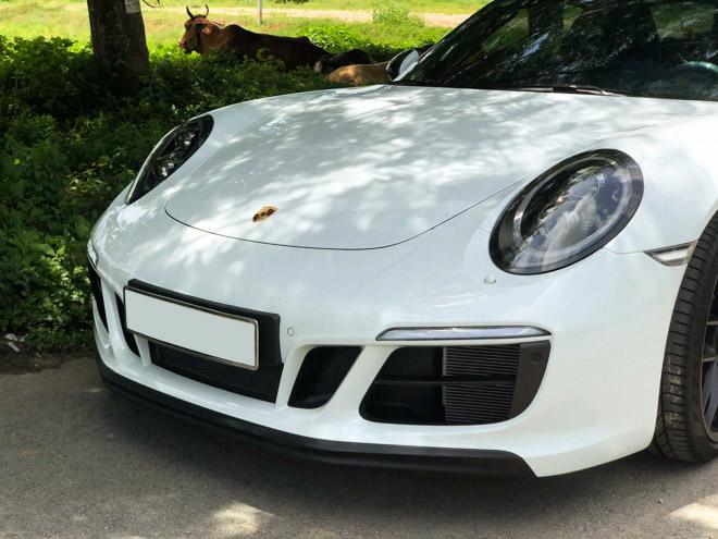 Soi hàng độc nhất Porsche 911 Targa 4 GTS tại TP.HCM - 16