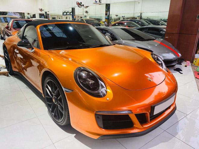 Soi hàng độc nhất Porsche 911 Targa 4 GTS tại TP.HCM - 1