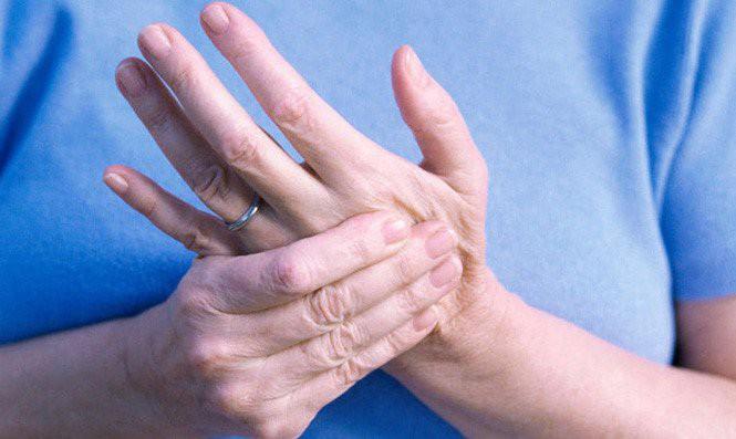 """Tê tay chân: Đừng coi thường kẻo không còn thời gian để... """"ân hận"""" - 1"""