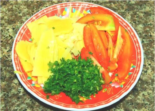 Canh măng chua ấm nóng cho bữa cơm gia đình ngày giao mùa - 1
