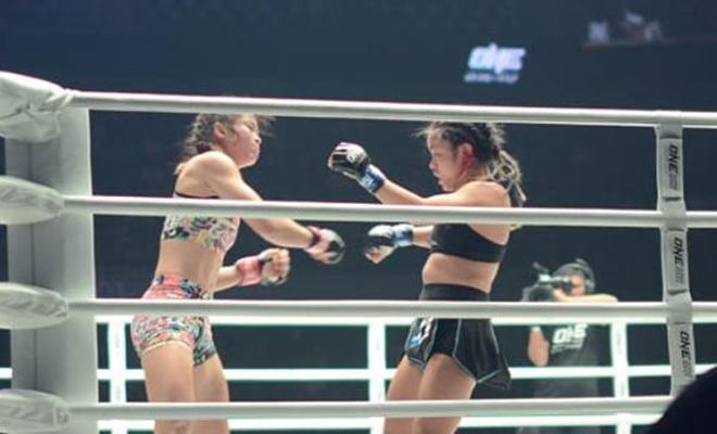 """Bi Nguyễn đấu """"Nữ hoàng Muay"""" ở ONE Championship: 3 hiệp bàng hoàng - 1"""