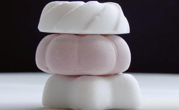Món tráng miệng nhẹ nhất thế giới chỉ nhẹ có 1 gam, 96% là không khí - 1