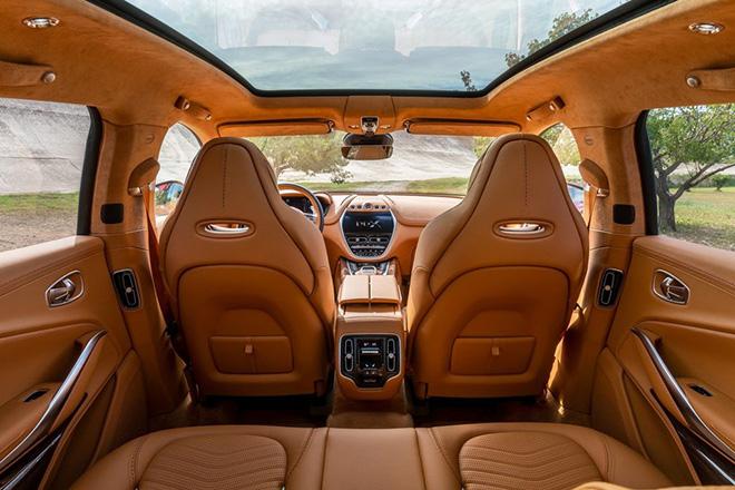 Siêu phẩm SUV Aston Martin DBX lộ ảnh nội thất cùng giá bán khoảng 4,6 tỷ VNĐ - 2