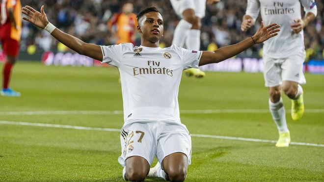 """Tin HOT bóng đá tối 8/11: Liverpool vồ hụt """"Ronaldo mới"""" gây sốc cúp C1 - 1"""
