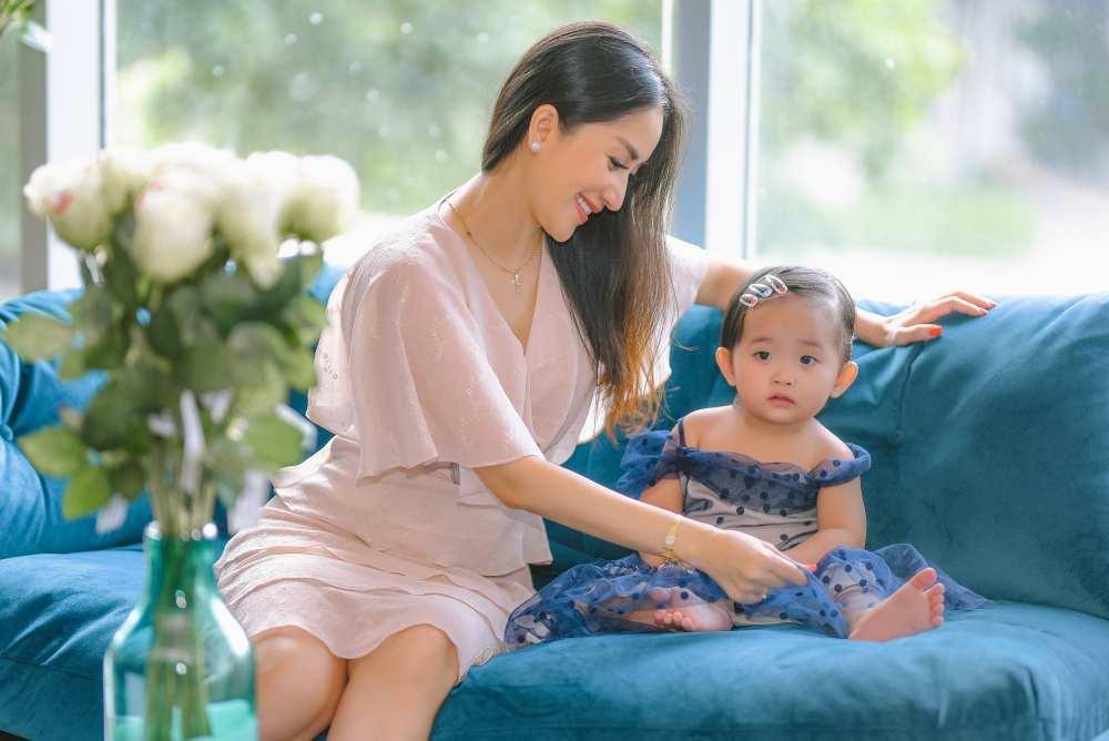 Khánh Thi và chồng kém 12 tuổi làm show thực tế kể chuyện riêng tư để bớt bị đàm tiếu - 1
