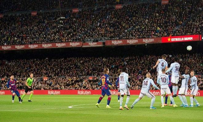 Messi lập hat-trick, Barcelona đại thắng: San bằng kỷ lục của Ronaldo - 1