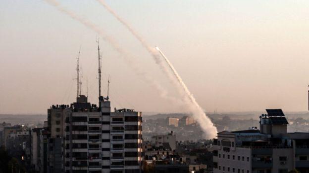 50 tên lửa từ dải Gaza tấn công vào lãnh thổ Israel - 1