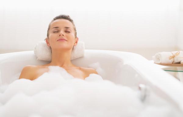 Những sai lầm khi tắm trong ngày lạnh có thể khiến bạn đột tử - 2