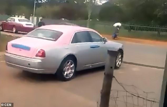 Choáng với số lượng xe sang khổng lồ thuộc sở hữu vua châu Phi giàu có - 1
