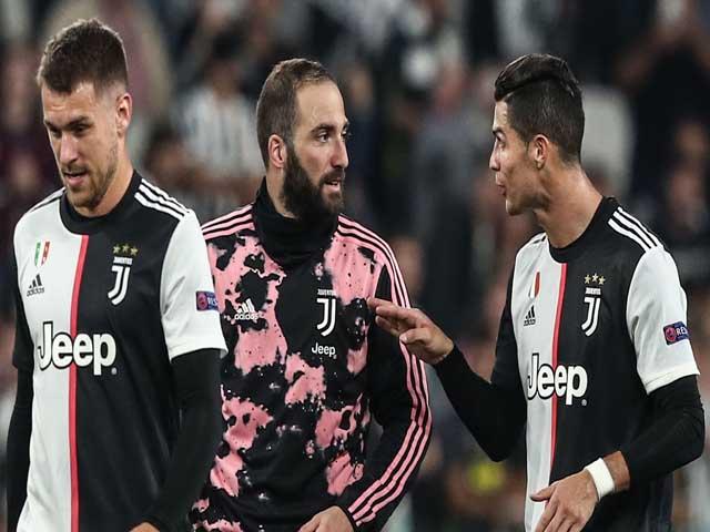 """""""Ông trùm"""" Ronaldo bùng nổ trở lại: Minh chứng hùng hồn ai mới là số 1 ở Juventus"""