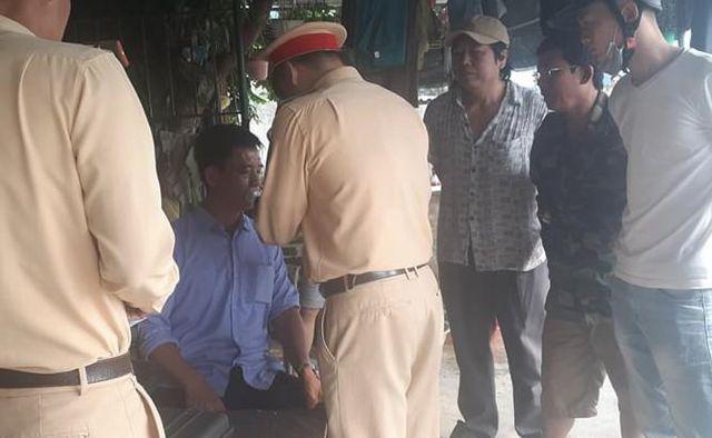 Bộ chỉ huy quân sự tỉnh Hà Tĩnh lên tiếng vụ tài xế xưng thiếu tá quân đội sau tai nạn - 1