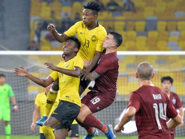 Thái Lan thua bạc nhược Malaysia, fan Thái thất vọng chuyển sang cổ vũ Việt Nam - 1