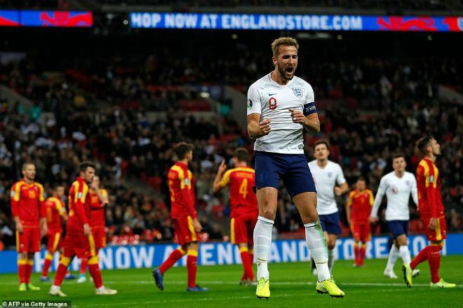 Video highlight trận Anh - Montenegro: Đại tiệc 7 bàn, hat-trick siêu sao đón cột mốc 1000 - 1