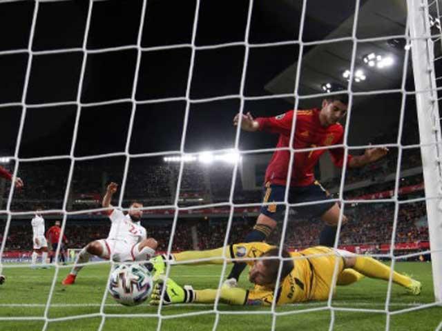 """Video highlight trận Tây Ban Nha – Malta: """"Cơn điên"""" 9 phút 4 bàn, ngôi sao tỏa sáng - 1"""