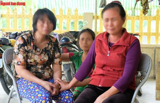 Nước mắt ngày trùng phùng của người phụ nữ sau 25 năm bị bán làm vợ chui ở Trung Quốc - 1
