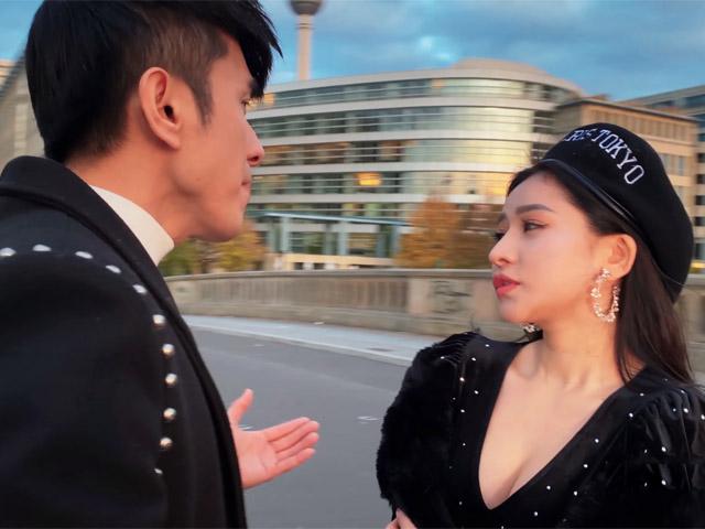 Vợ cũ Hồ Quang Hiếu mặc gợi cảm, tình tứ Đan Trường bất chấp cái lạnh