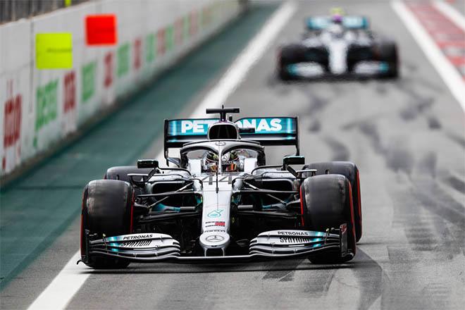 Đua xe F1, phân hạng Brazilian GP: Verstappen tặng quà cho Red Bull - 1