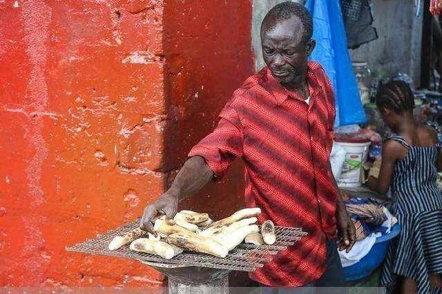 Hốt hoảng trước những thực phẩm nhìn thôi đã thấy sợ ở chợ châu Phi - 6