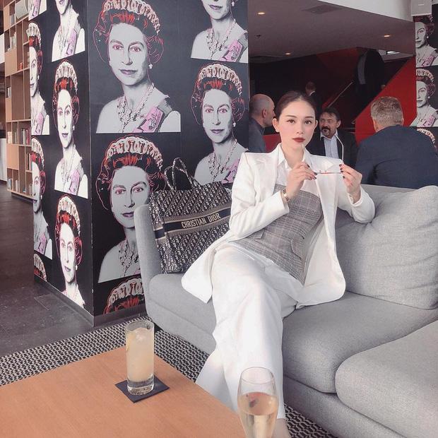 Hàng hiệu đắt đỏ của bạn gái em chồng Tăng Thanh Hà - 1