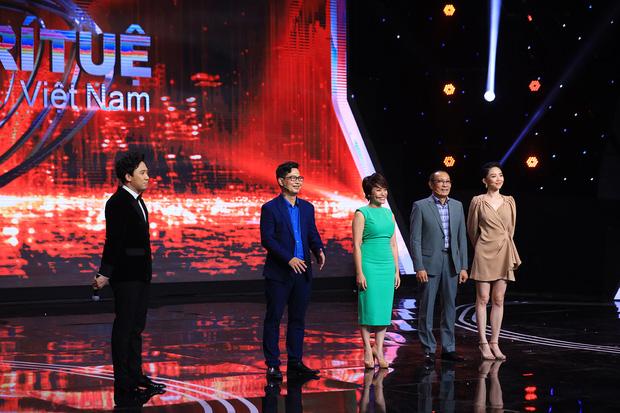 Gameshow của MC Lại Văn Sâm và Trấn Thành bị khán giả chỉ trích - 1