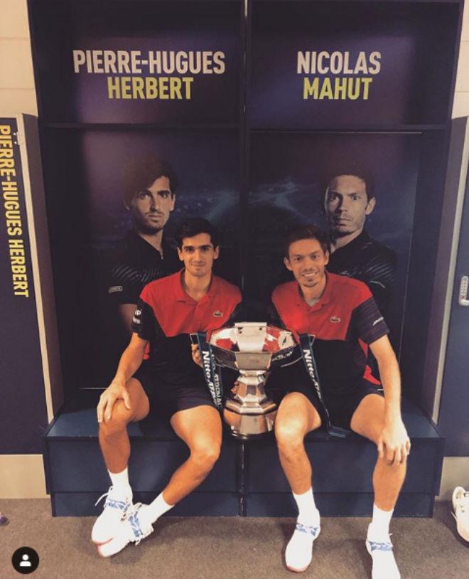 Tennis 24/7: Tân vương ATP Finals vô địch nhờ cầu hôn mỹ nhân - 1