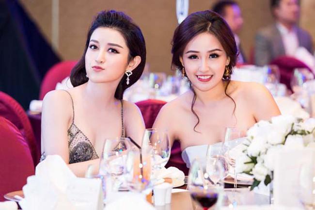 Bên bàn tiệc, các mỹ nhân Việt đua nhau khoe nhan sắc. Mai Phương Thúy chuộng mốt khoe ngực đầy trong khi Huyền My không hề kém cạnh.