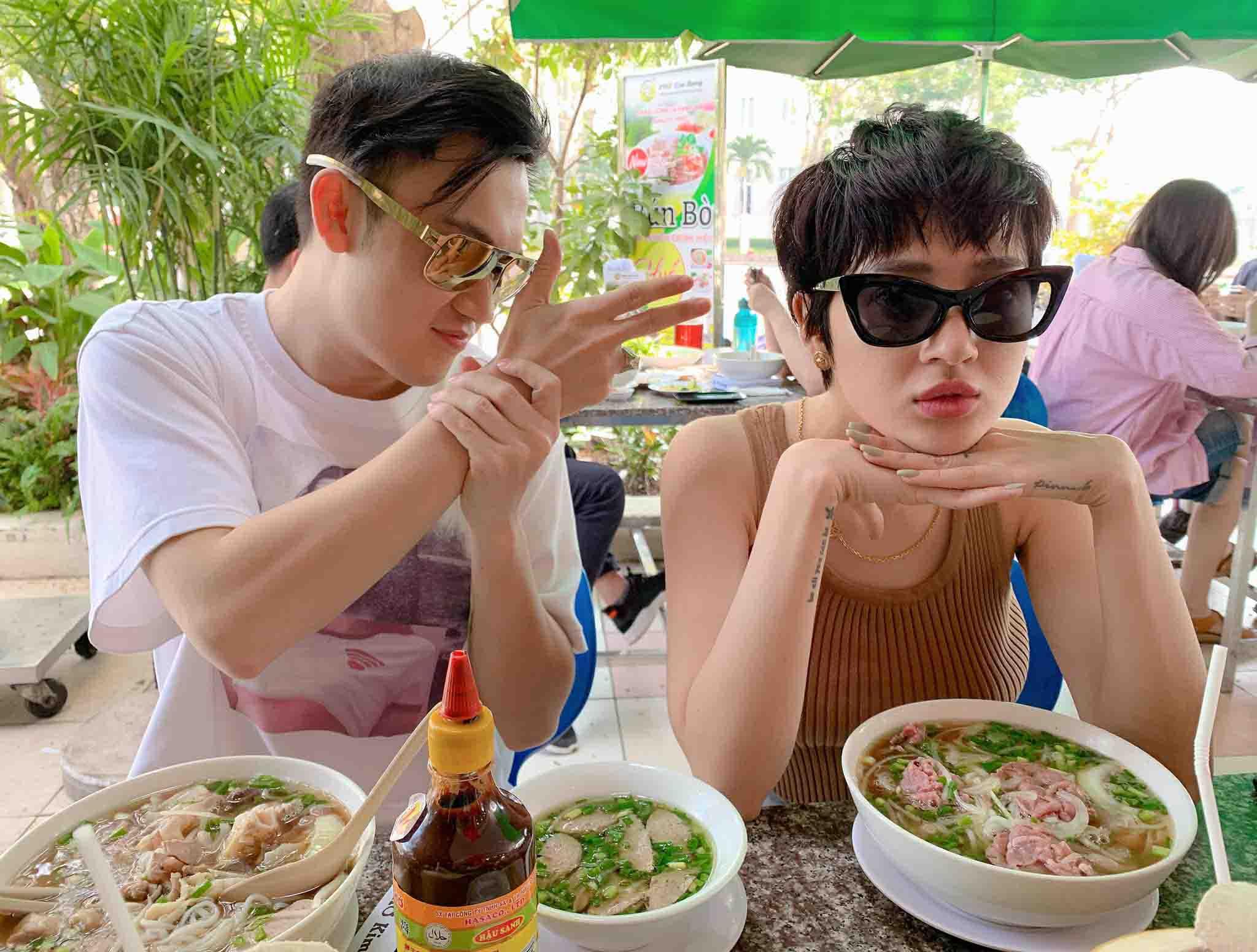 Xem VN đấu Thái Lan, sao Việt huỷ show, em trai Hoài Linh nói điều không ngờ - 1