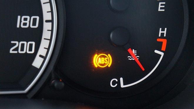 6 cách kiểm tra hệ thống phanh trên xe ô tô hoạt động an toàn - 1