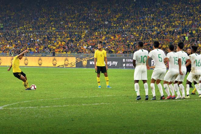 ĐT Việt Nam đua gay cấn vòng loại World Cup: Malaysia đe dọa với SAO kèo trái - 1