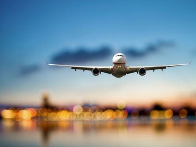 Vì sao các hãng hàng không bán vé nhiều hơn số ghế trên máy bay?