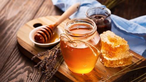 Bột sắn dây và mật ong đại kỵ: Các chuyên gia nói gì? - 1