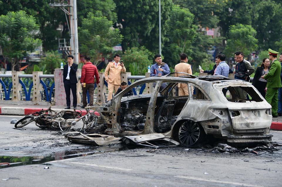 Vụ xe Mercedes gây tai nạn chết người rồi bốc cháy dữ dội: Các nạn nhân giờ ra sao? - 1