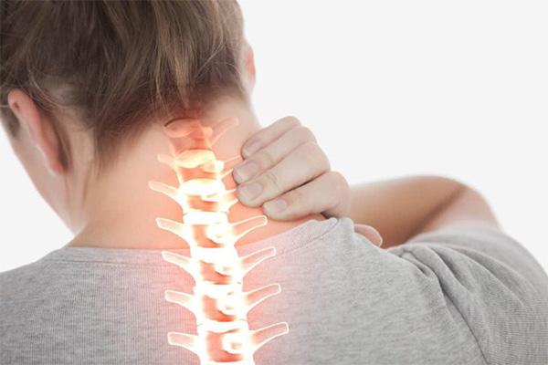 Thoát vị đĩa đệm cổ: Triệu chứng và cách chữa hiệu quả tư vấn bởi chuyên gia - 1