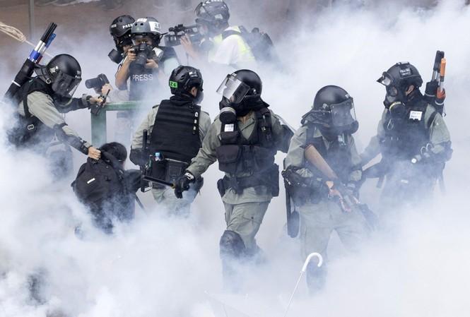 Trung Quốc 'nổi đóa' khi Thượng viện Mỹ thông qua đạo luật về Hong Kong - 1