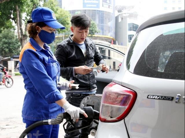 Giá xăng dầu bất ngờ quay đầu tăng mạnh
