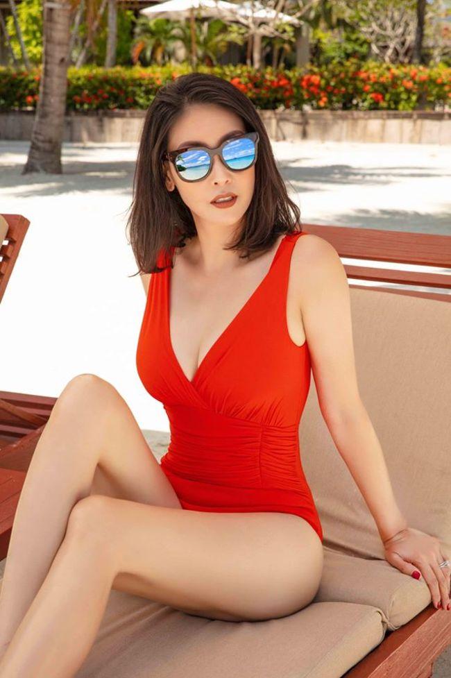 """Hoa hậu Việt Nam 1992- người đẹp Hà Kiều Anh trước khi đăng quang cũng đã từng gây xôn xao vì cảnh nude trong bộ phim """"Người tình mộng mơ"""" khi mới 16 tuổi."""