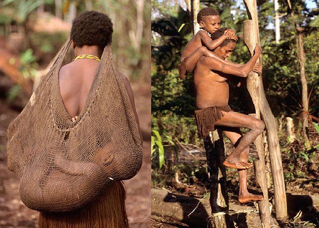 Ghé thăm bộ lạc sống trên cây, hái lá chuối làm quần áo - 1