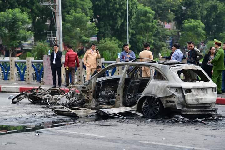 Thông tin mới vụ nữ tài xế Mercedes gây tai nạn liên hoàn, ô tô bốc cháy - 1