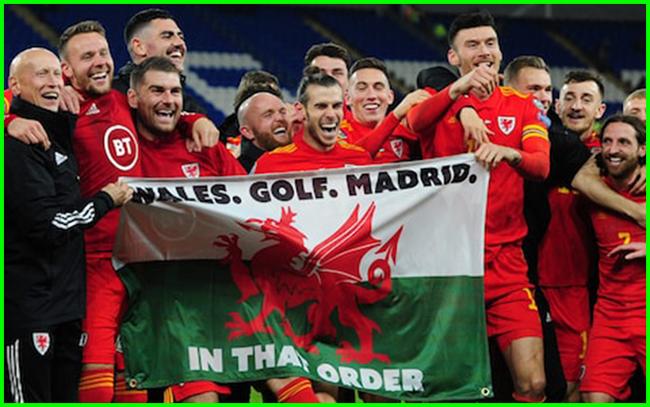 """Gareth Bale và đội tuyển xứ Wales có pha """"cà khịa"""" Real Madrid cực mạnh."""