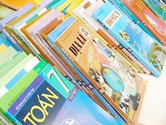 Bộ GD-ĐT công bố 32 sách giáo khoa của 8 môn học, hoạt động giáo dục