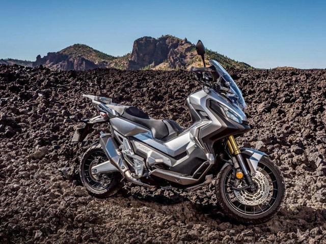 """Honda ADV 300 mới sắp lên kệ, Kawasaki Versys-X 300 """"hãy chờ đấy"""""""