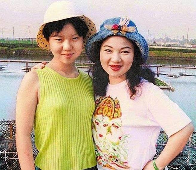 Chấn động vụ sát hại con gái nữ diễn viên nổi tiếng: Thi thể không có ngón tay út - 1