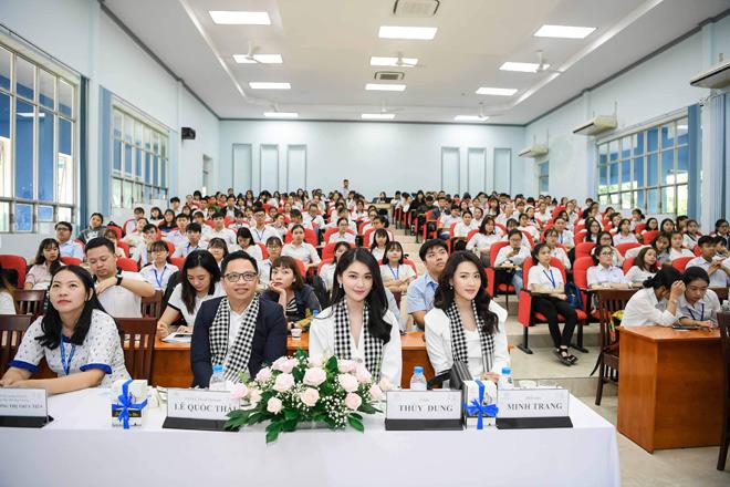Diễn viên Minh Trang: Không thể thiếu sách quý trên con đường vượt thử thách, nắm thành công - 1
