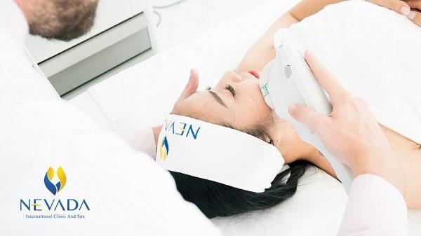 Xóa bỏ tự ti da cổ chùng nhão sau 60 phút bằng công nghệ Ultherapy - 1