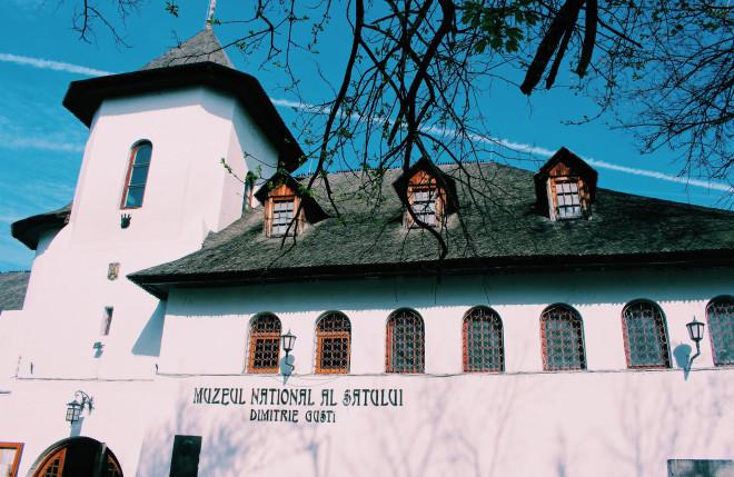 Dạo quanh bảo tàng làng lộ thiên, hít mùi rơm rạ - 1