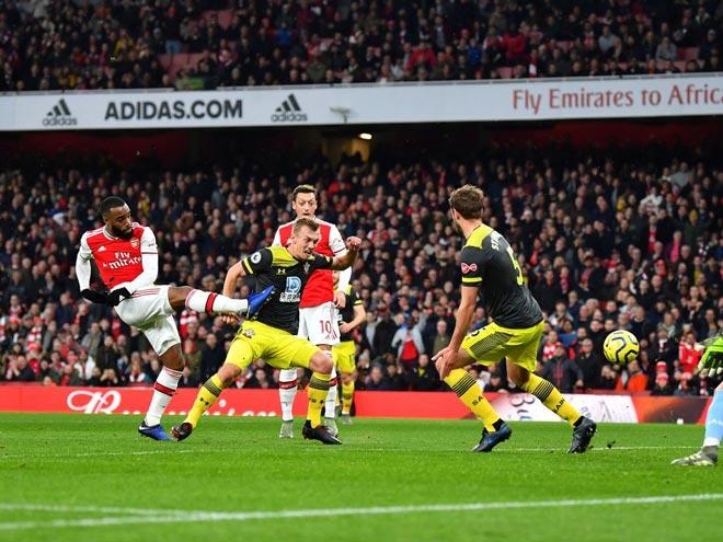 Video highlight trận Arsenal - Southampton: Sai lầm liên tiếp, thoát thua phút bù giờ - 1