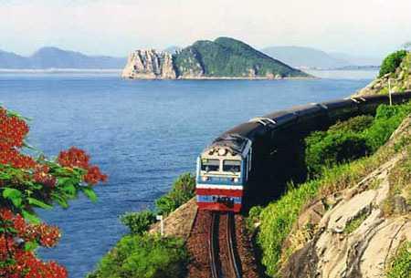 Tuyến đường sắt 100.000 tỉ đồng: Lãng phí và vô lý - 1