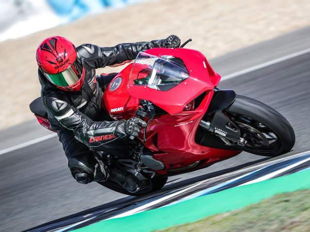 2020 Ducati Panigale V2: Mẫu sport bike thiết kế đẹp, dễ lái cho dân mê xe