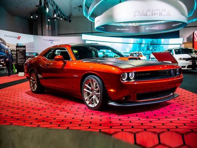 Dodge Challenger phiên bản đặc biệt kỷ niệm 50 năm dòng xe cơ bắp biểu tượng